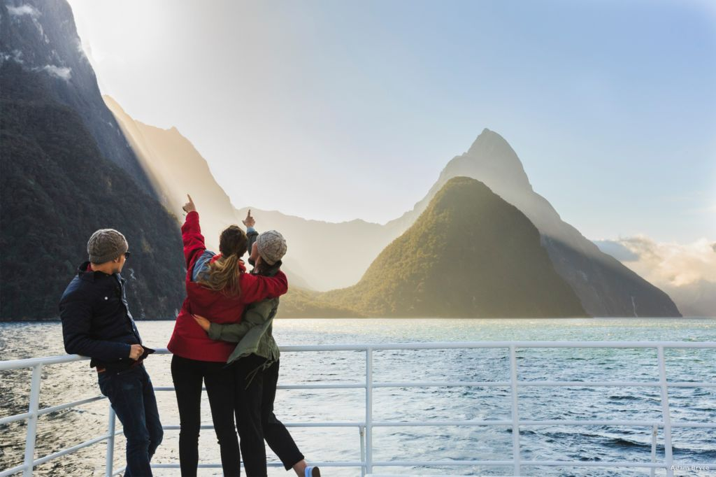Travel New Zealand and Discover the Kiwi Land