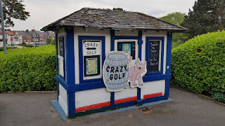 The hut at the Victoria Park Crazy Golf course