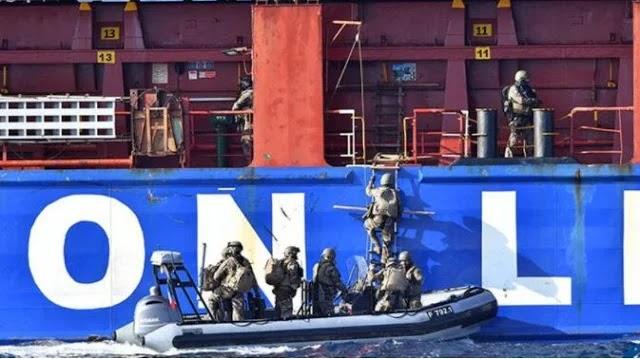 Ρεσάλτο Γάλλων πεζοναυτών σε τουρκικό πλοίο!