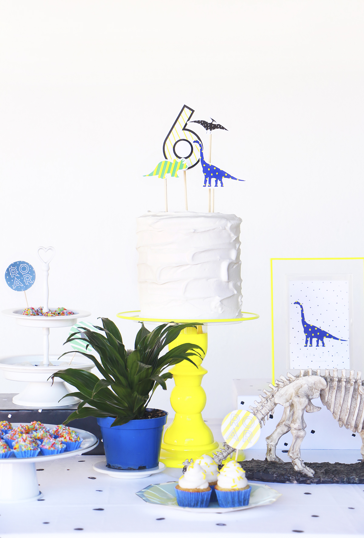 festa dinossauro simples e barata para imprimir blog do math modern minimal dinossaur party decor