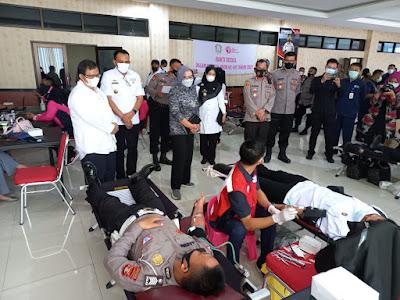 Ketua PMI Provinsi Lampung Tinjau Pelaksanaan Kegiatan Donor Darah Hari Bhayangkara ke-75