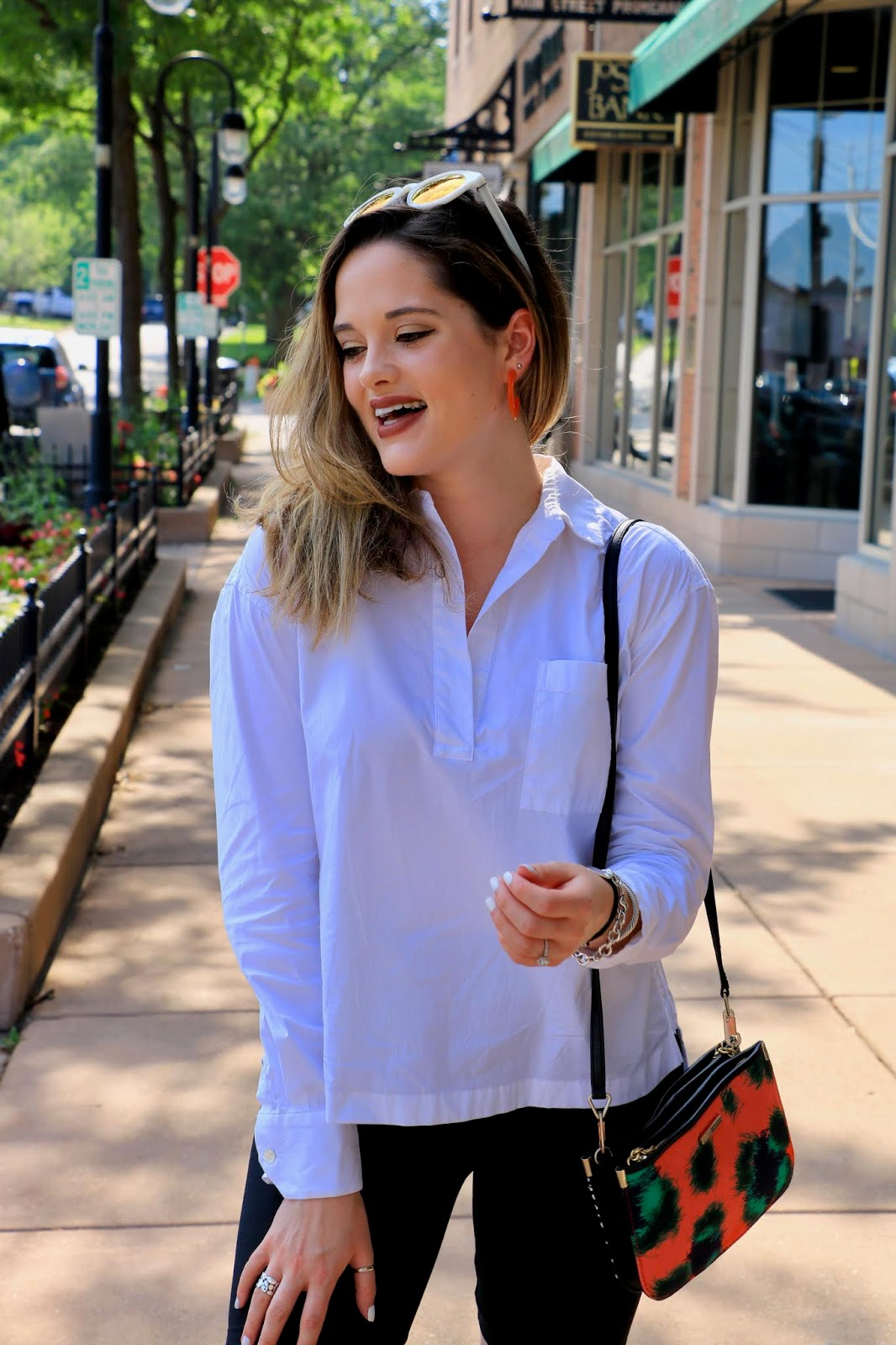 Nyc fashion blogger Kathleen Harper wearing a summer weekend outfit.