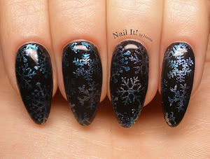 http://nail-it-by-inanna.blogspot.com/2016/01/let-it-snow-in-to-dark-czyli-sniezynki.html