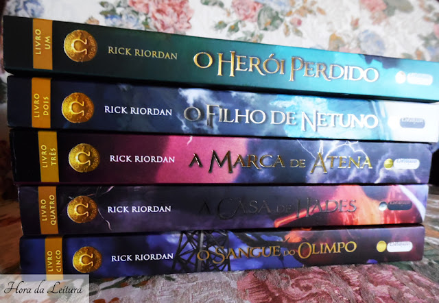 Lombada dos livros Heróis do Olimpo
