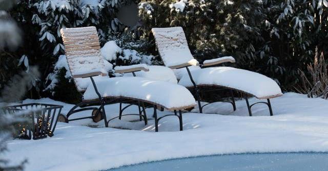 geniesser garten verschneiter garten im februar. Black Bedroom Furniture Sets. Home Design Ideas