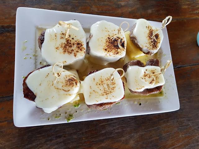 Carne do Sol de Filé Mignon com Queijo - Restaurante Mergulhão - Fernando de Noronha