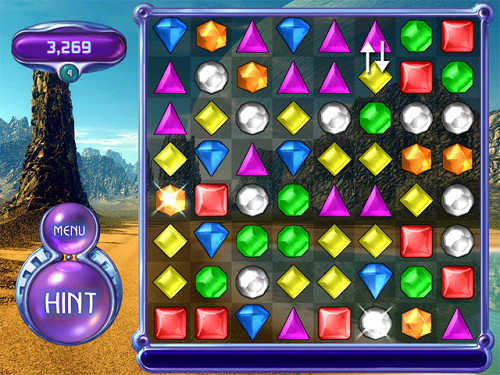 Bejeweled có lối chơi gây thích dù đơn giản hơn nhiều