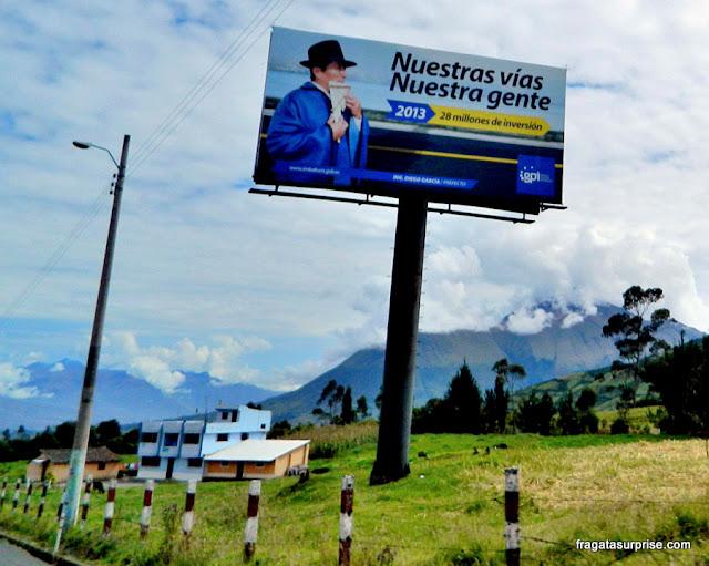 Estrada para Otavalo, Equador