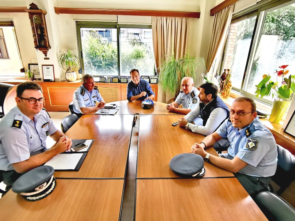 Συνεργασία Δήμου Τρικκαίων – ΕΛ.ΑΣ με δώρο… κράνος ποδηλάτη