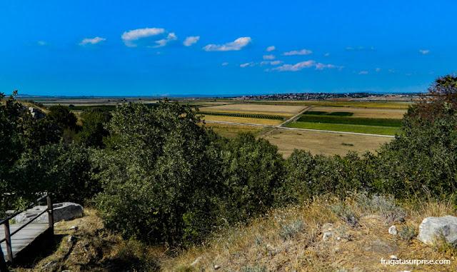 O Estreito de Dardanelos visto das muralhas de Troia, Turquia