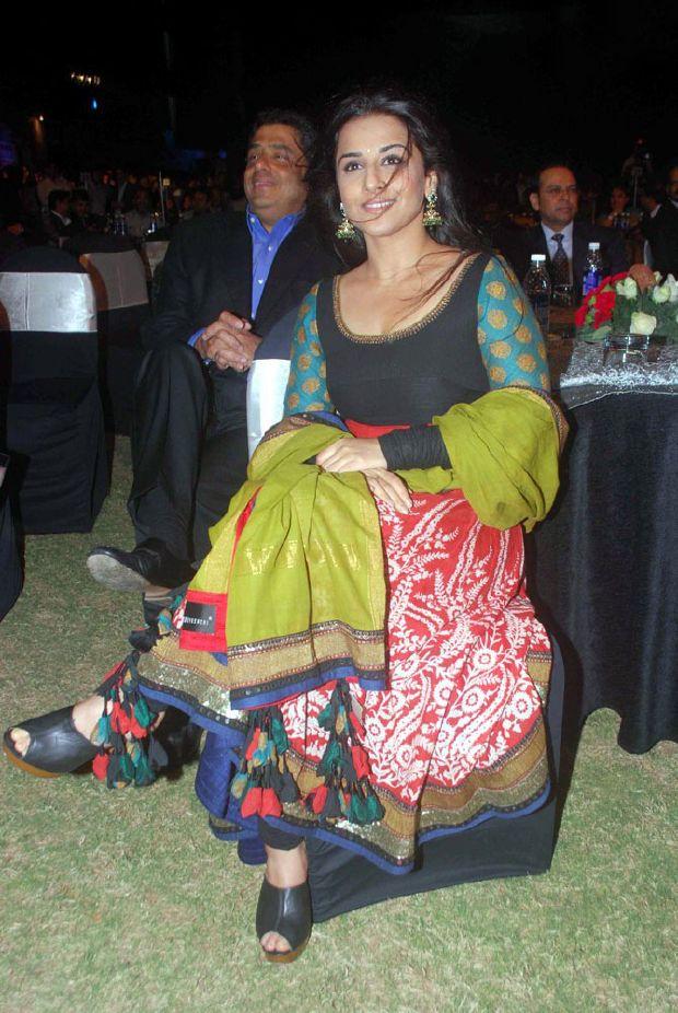 Vidya balan Latest Stills In green Dress