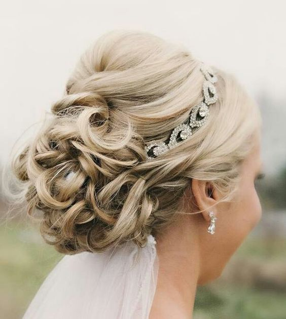 Wedding Styles: Wedding Hairstyles For Short Hair With Veil And Tiara