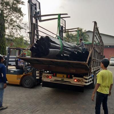 Sewa truk fuso Jakarta Lampung