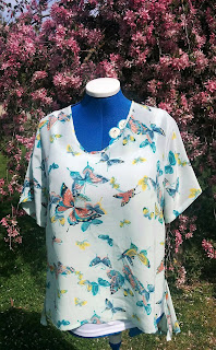 Creates Sew Slow: Vogue 1454 DKNY Gorgeous Butterflies Top