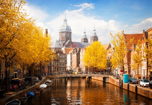 The picturesque European scenery in the fall