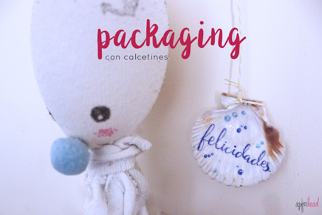 Packaging con calcetines, empaquetadobonito.