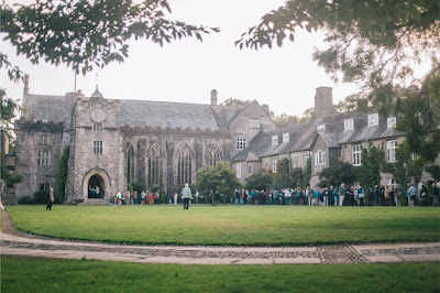 A queue outside Dartington Hall 2 c Aubrey Simpson