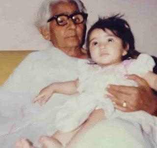 Kriti Sanon With Her Maternal Great Grandmother