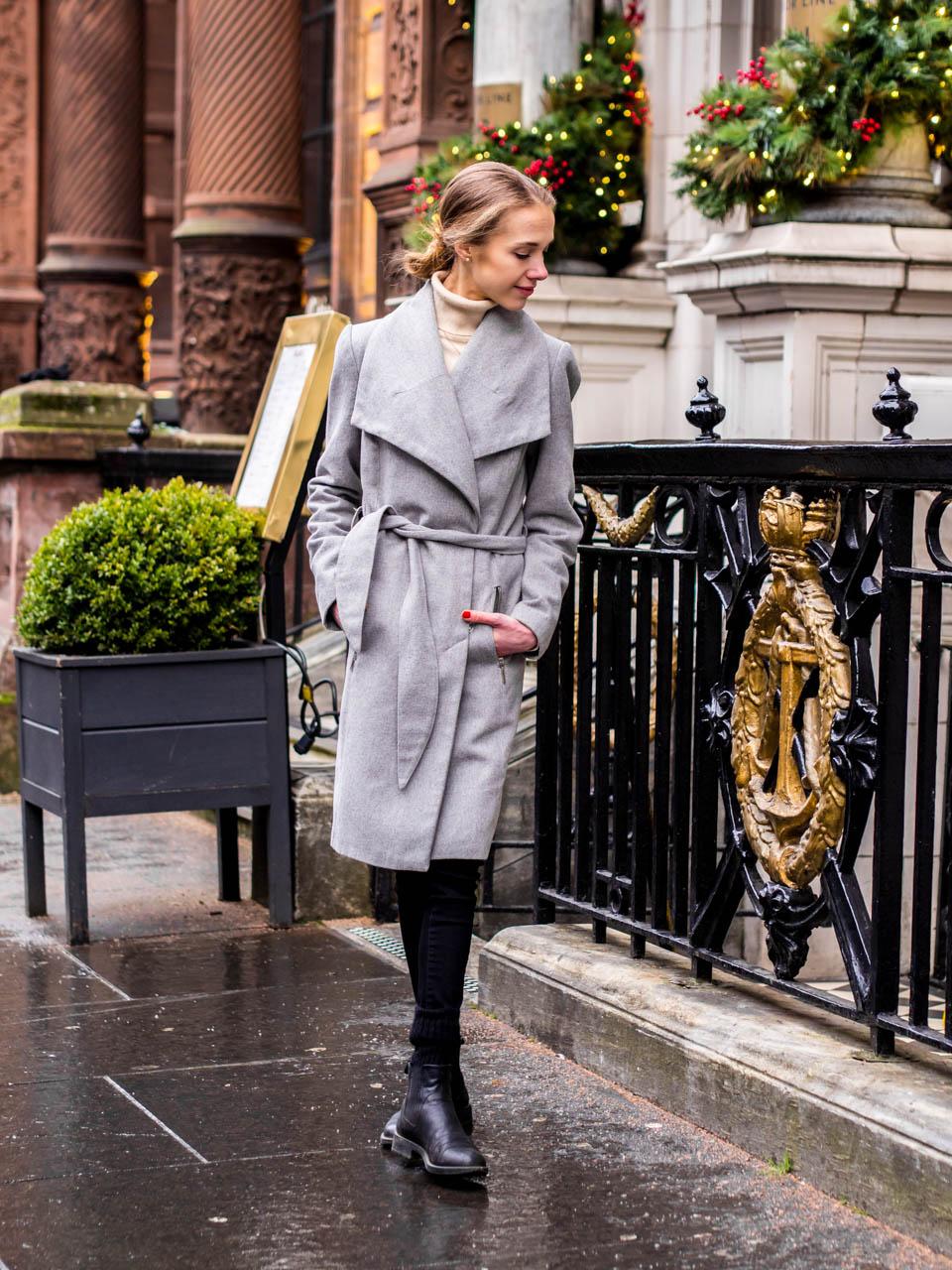 Minimal chic winter outfit inspiration with grey wool coat - Minimalistinen talvimuoti + harmaa villakangastakki