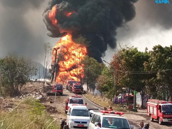 Pipa Pertamina Meledak, WN China Operator Crane Proyek Kereta Cepat Hangus Terbakar