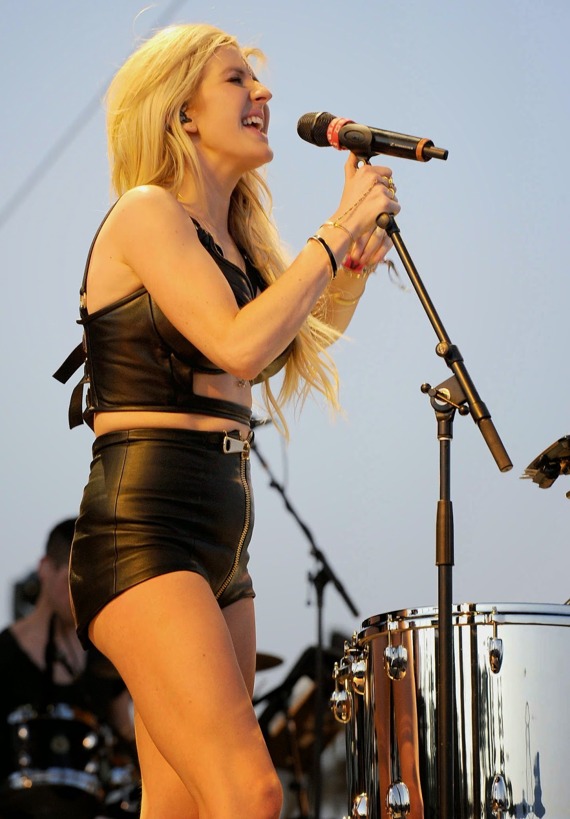 Ellie Goulding performs at Coachella in a skimpy black leather outfit