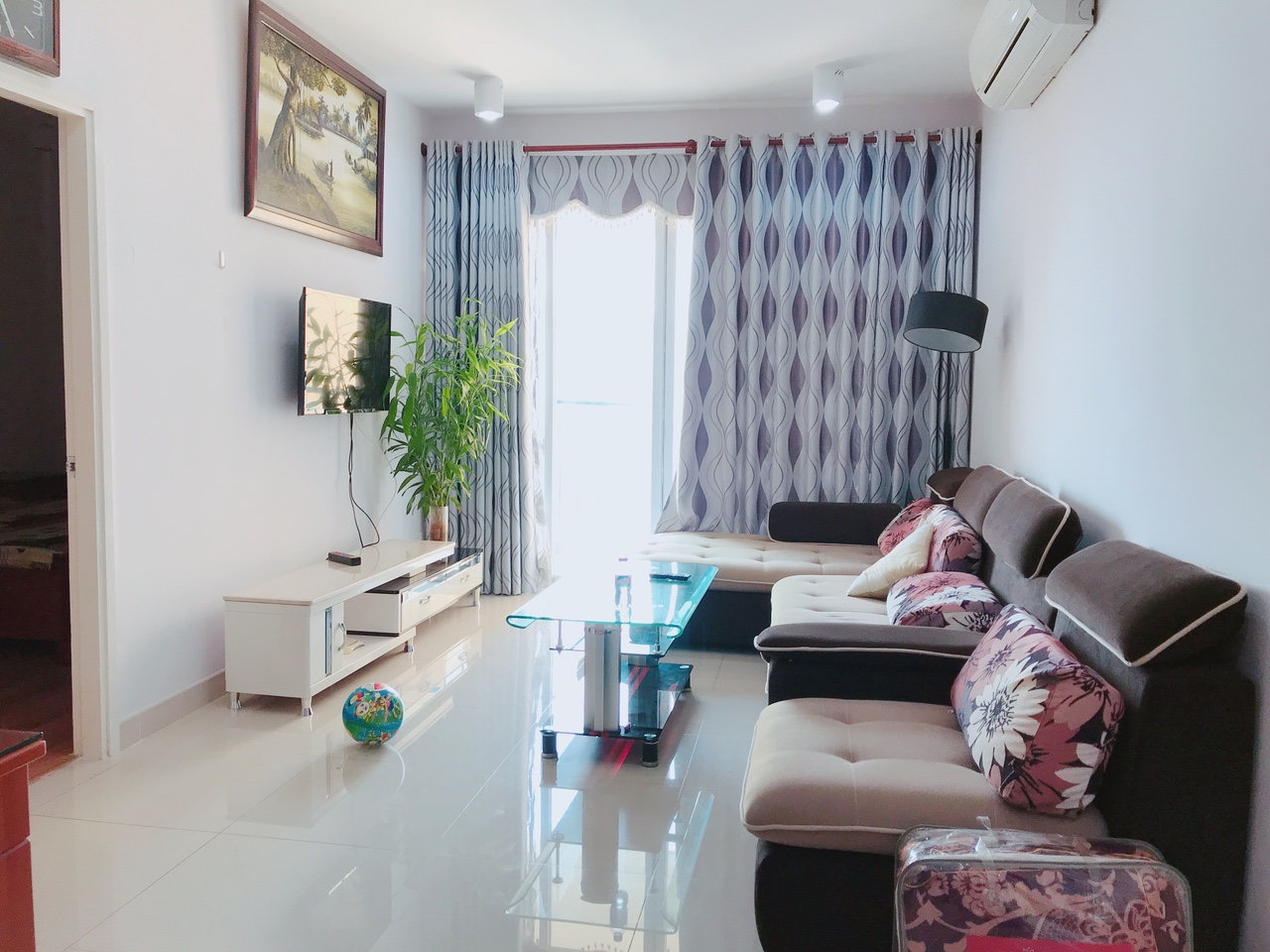Kitchen : Furnished Laundry Area: Washer + Dry Hanger. Monthly Rent: 11  Million Dong/ Month. Please Call Vung Tau Rental Agency 0937 131 811 For  Showing!!!