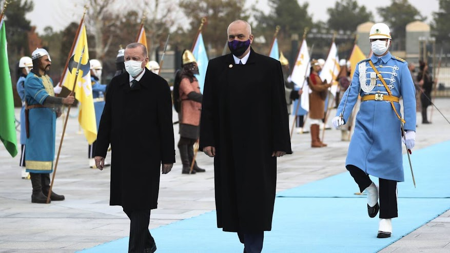 Τουρκία-Αλβανία: Συμφωνία για στρατηγική συνεργασία υπέγραψαν Ερντογάν και Ράμα