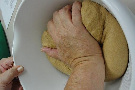 Method-of-kneading-wheat-flour