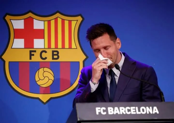 ميسي في المؤتمر الصحفي يودع جماهير برشلونة