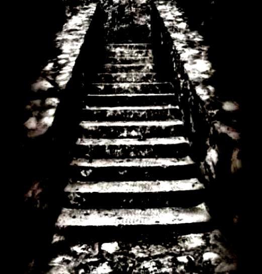 """Poema PALABRA MENOR, de Carlos Morales; Libro de Referencia: Carlos Morales, """"Un rostro en el jardín"""", Col. Cuadernos del Mediterráneo, El Toro de Barro, Tarancón de Cuenca 2000"""