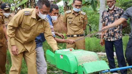 Bantuan Mesin Pencacah Makanan Ternak
