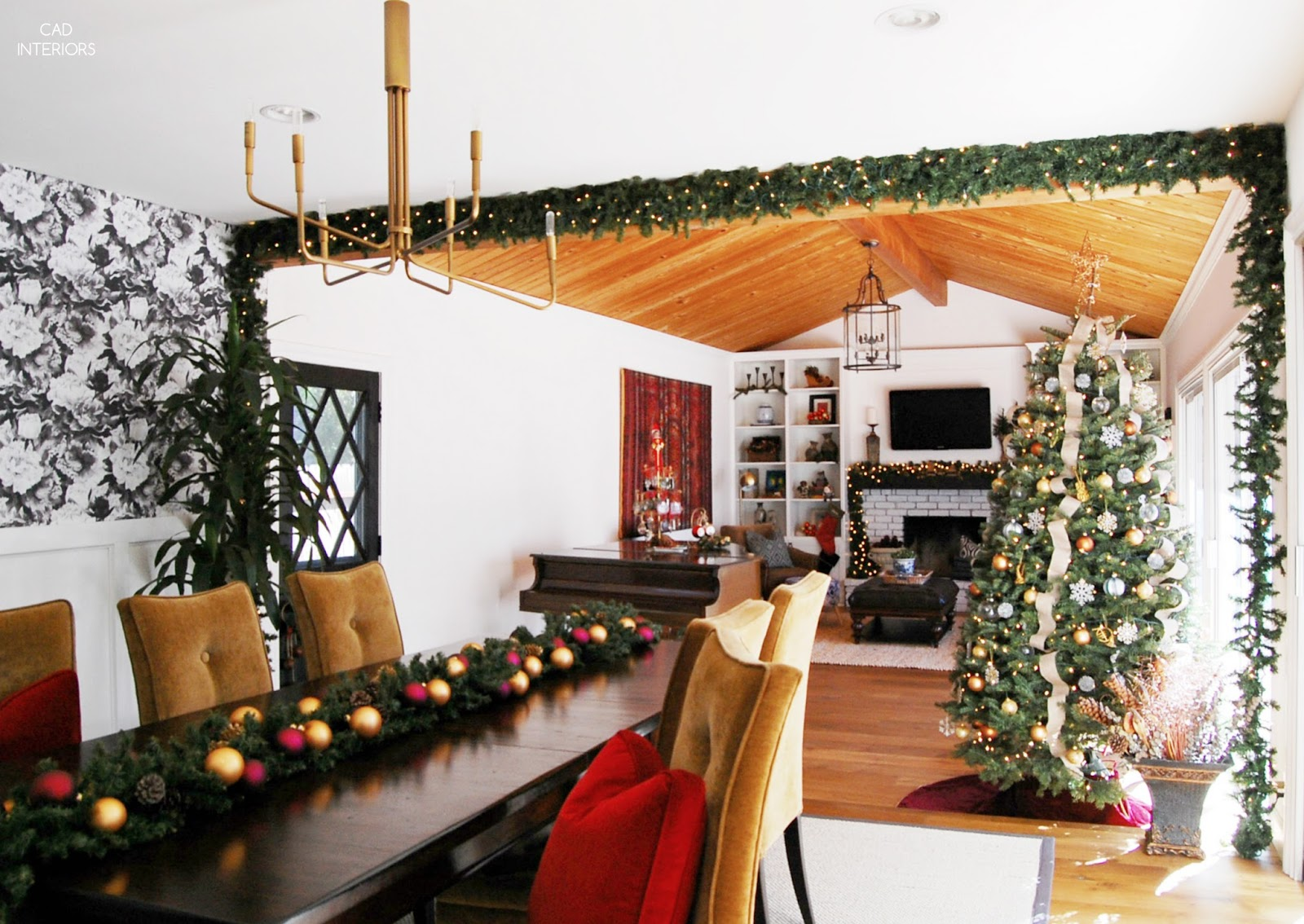eclectic traditional modern classic holiday decorating garlands