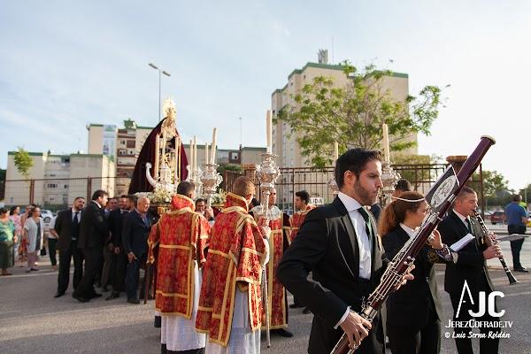 A la espera de una respuesta para un Rosario de la Aurora en Jerez
