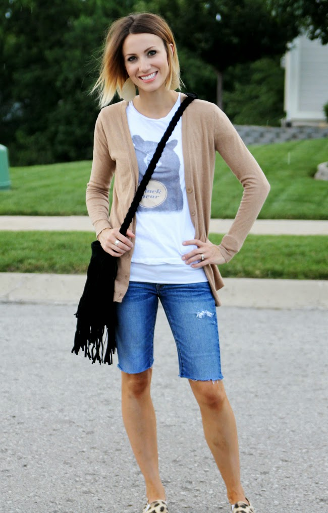 Camel cardigan, graphic tee, cut off shorts and leopard sneakers