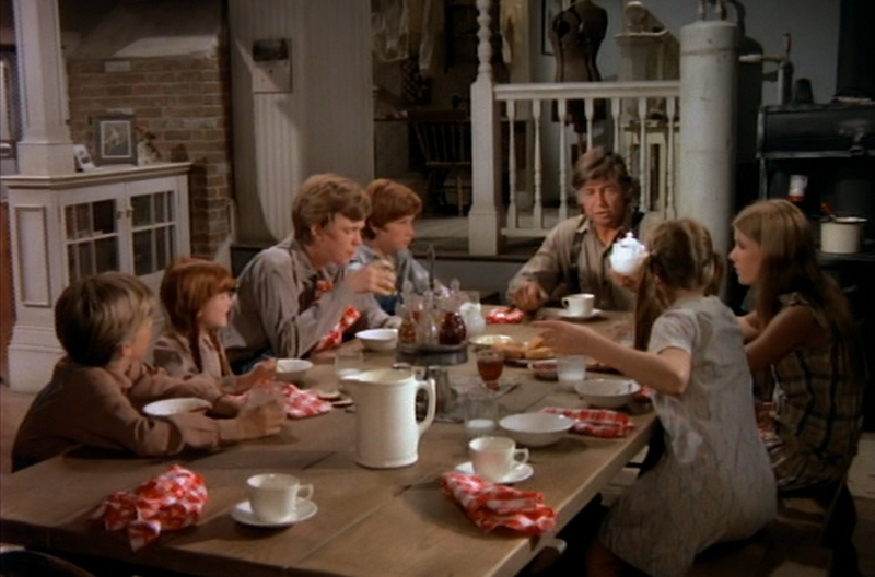 Betheelouwho favorite movie houses for Table 9 movie