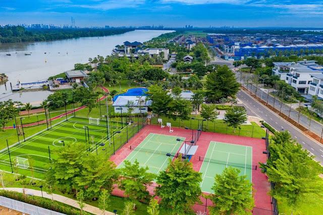 Sân bóng đá và sân Tennis trên đảo Đại Phước