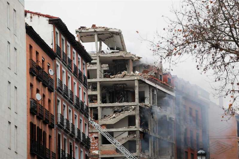 At least two people were killed and 8 injured in a building explosion in central Madrid