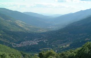 Valle del Jerte, un paisaje cultivado. Vista de la comarca en verano.