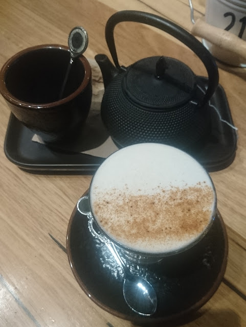 Young and Foolish, Wheelers Hill, tea and chai