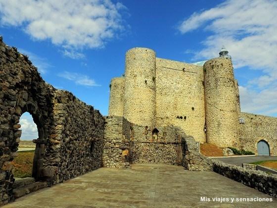 El castillo-faro de Castro Urdiales, Cantabria