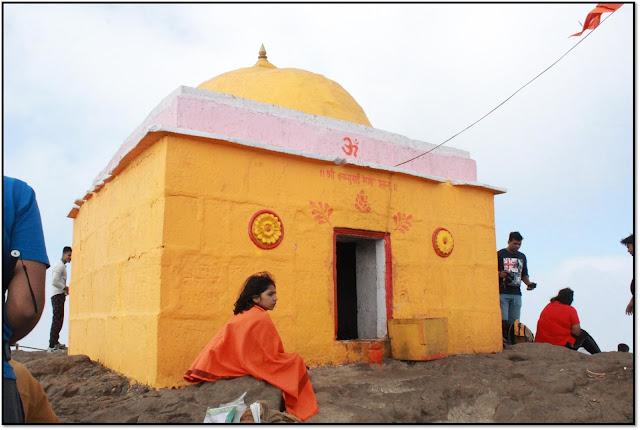 kalsubai trek kalsubai temple