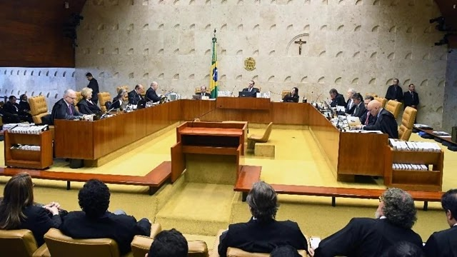 O plenário do Supremo Tribunal Federal (STF) derrubou nesta quinta-feira a possibilidade de iniciar a execução da pena de prisão após condenação em segunda instância, na maior derrota que a corte impôs à operação Lava Jato nos seus cinco anos e que pode levar à liberdade o ex-presidente Luiz Inácio Lula da Silva.