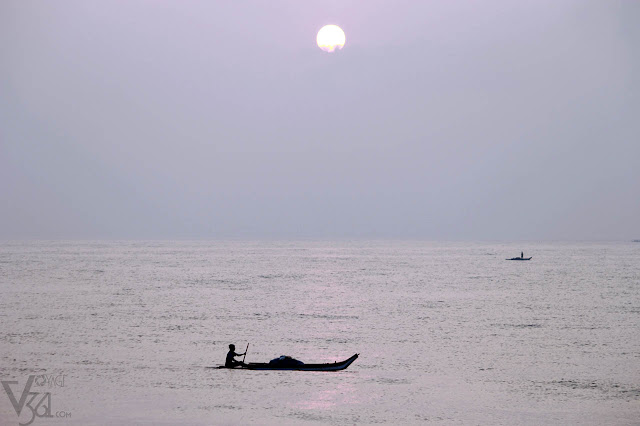 Fishing boats at the outset of Sun