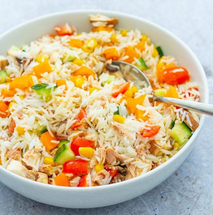 Salade de riz au thon facile a préparer -Recetteslabs