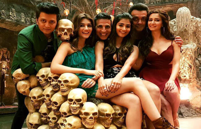 Housefull 4 Full Hindi Movie in HD on HotStar