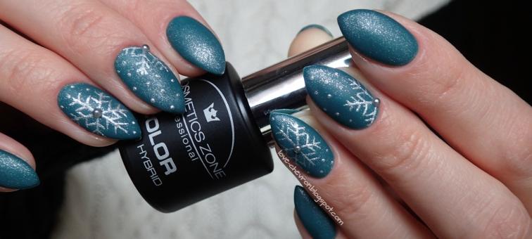 Cosmetics Zone | lakier hybrydowy | 047 Aventurine Blue | gel art 085 Silver Patina | Vitamin Base | zimowe zdobienie | zimowe paznokcie | winter nails | śnieżynki na paznokciach | świąteczne paznokcie |