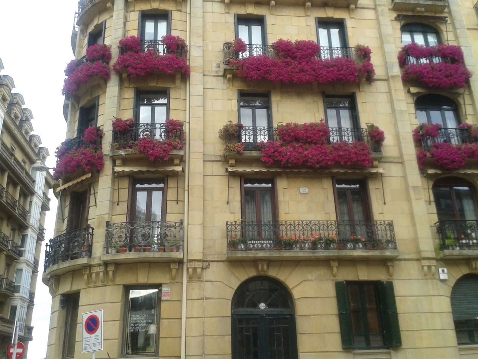 Moda Larra Balcones Con Flores En Donostia - Fotos-de-balcones-con-flores