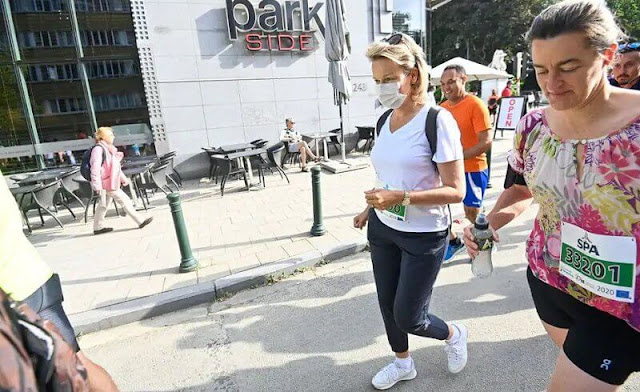 Queen Mathilde attended the 41st edition of the Brussels 20km Run at Cinquantenaire Park. Crown Princess Elisabeth
