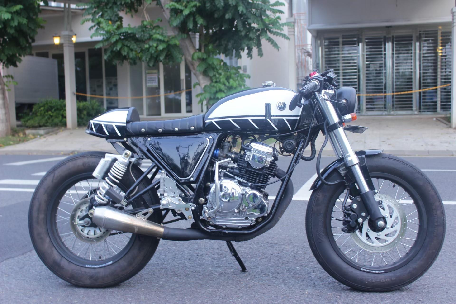 Yamaha Scorpio custom cafe racer