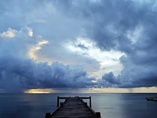 Senja di dermaga pulau Run Kepulauan Banda